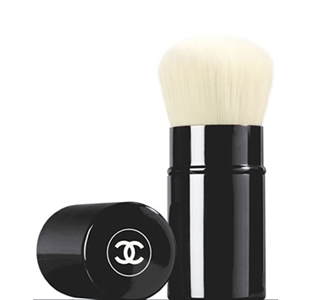 Chanel retractable kabuki brush