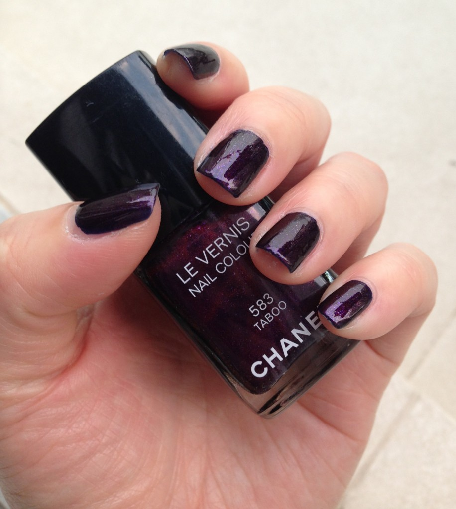 Chanel Le Vernis Taboo NOTD