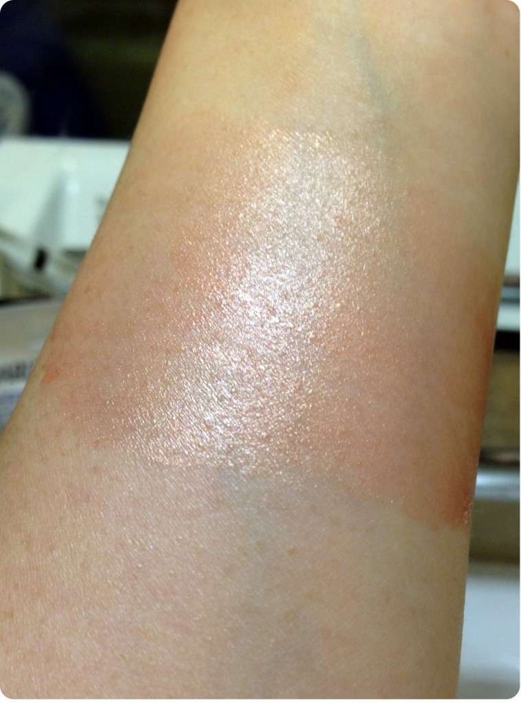 Tom Ford Skin Illuminator swatch blended
