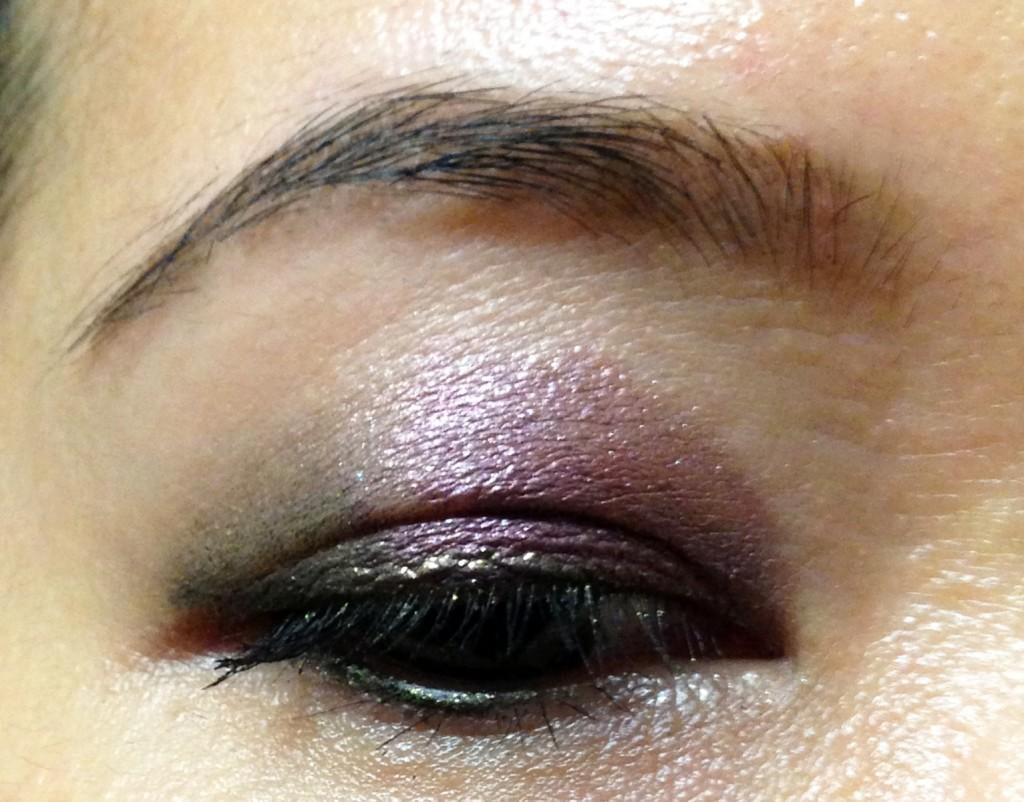 Charlotte Tilbury eyeshadow pencils Amethyst Aphrodisiac & Smoky Emerald blended