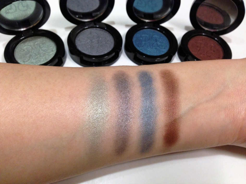 Rouge Bunny Rouge When Birds Are Singing Eyeshadow swatches