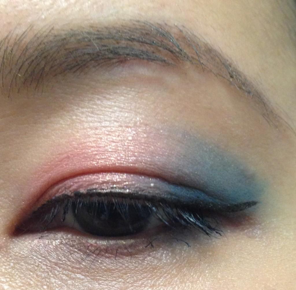 Tom Ford Unabashed Eye & Cheek palette EOTD blush & blue