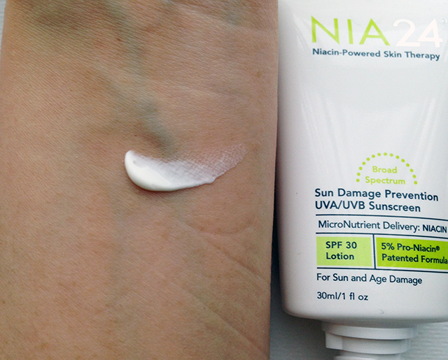 NIA24 Sun Damage Prevention Broad Spectrum SPF30