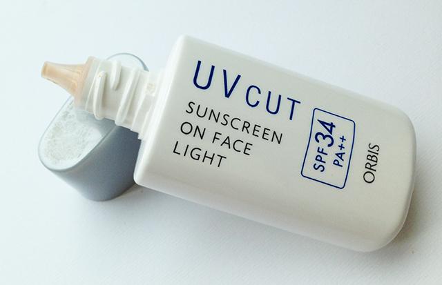 Orbis UV Cut Sunscreen on Face Light SPF34 PA++