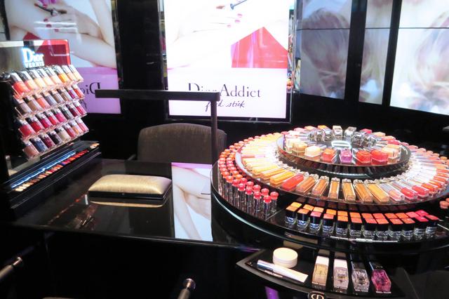 Dior nail bar